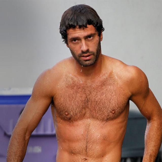 Hugo Parisi desnudo, el saltador de tus sueños