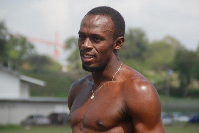Los increíbles abdominales de Usain Bolt desnudo