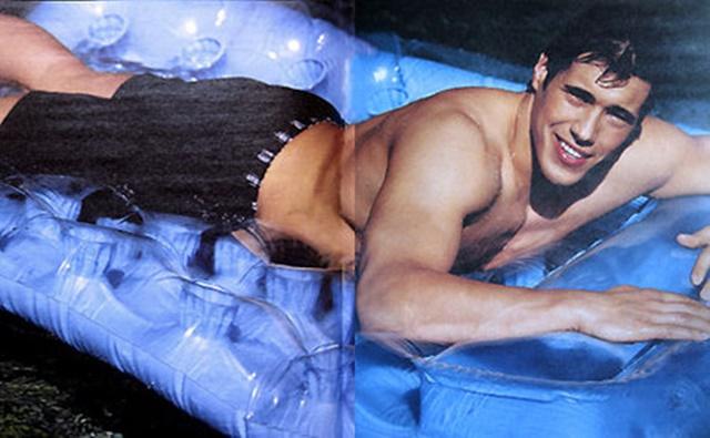 Las mejores fotos del jugador de fútbol americano más hot: Bradly Quinn desnudo.