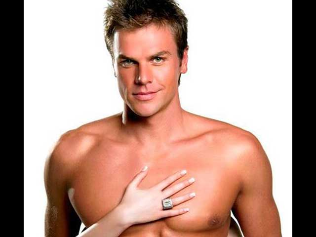Ryk Neethling desnudo, el nadador más... húmedo