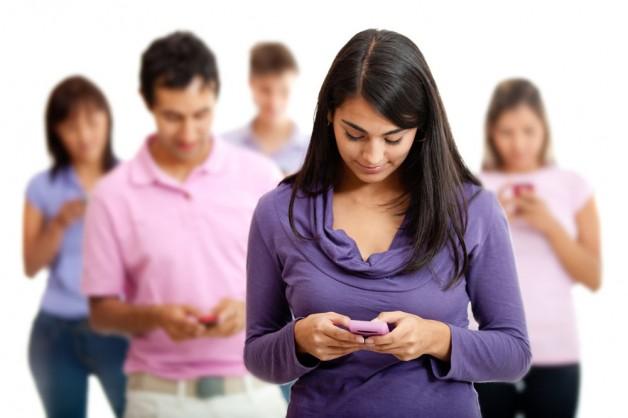 Abusar del móvil afecta a la salud física