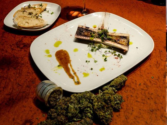 Un restaurante ofrece menú, bebida y porro por 200 euros