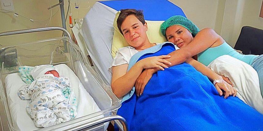 El transexual Fernando Machado da a luz a un bebé con su novia transexual