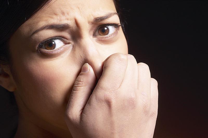 Estas 5 cosas que comes te hacen oler mal