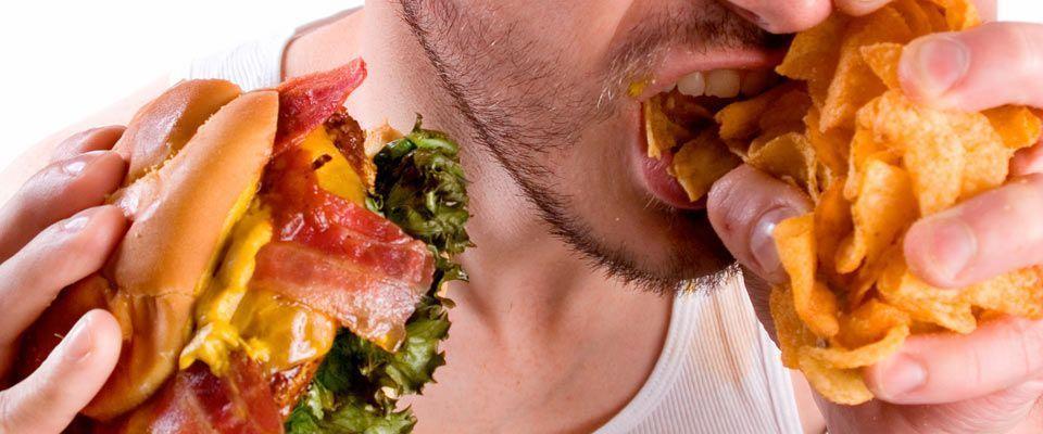 Estos 10 alimentos son tan adictivos como la heroína