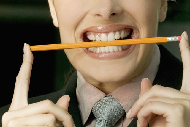 Por qué un lápiz puede ser la solución a tus dolores de cabeza