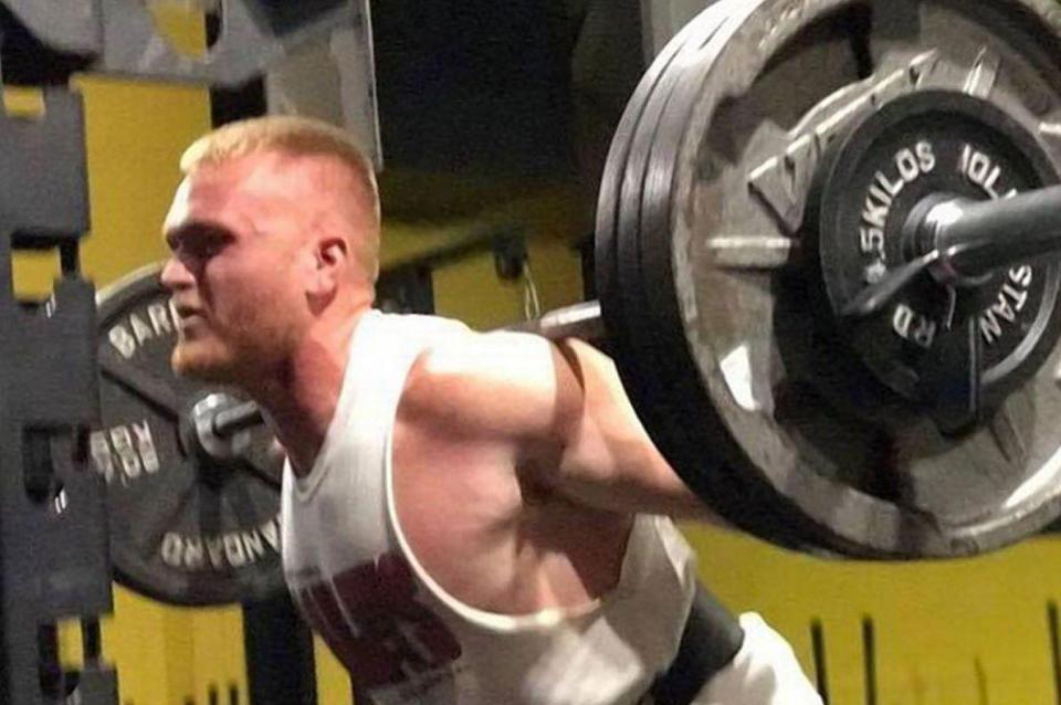 Muere en el gimnasio tras levantar 143 kilos