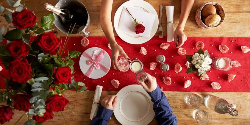 Cómo disfrutar de una cena de San Valentín romántica, dulce y saludable