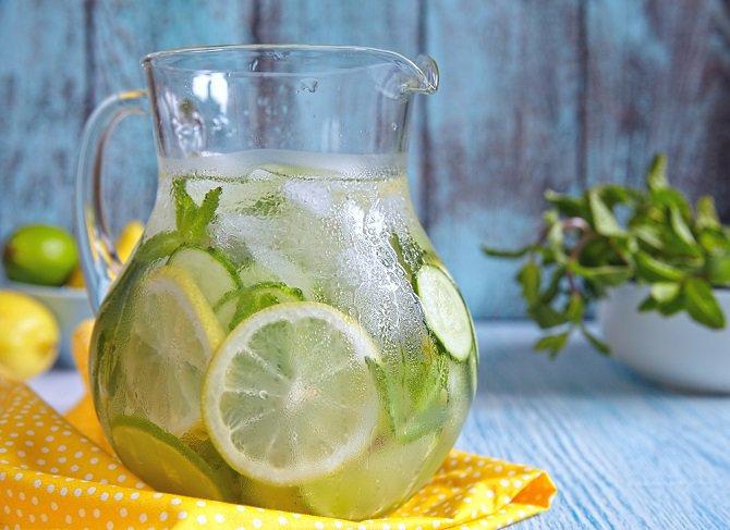 Tres recetas de aguas detox para depurar tu cuerpo