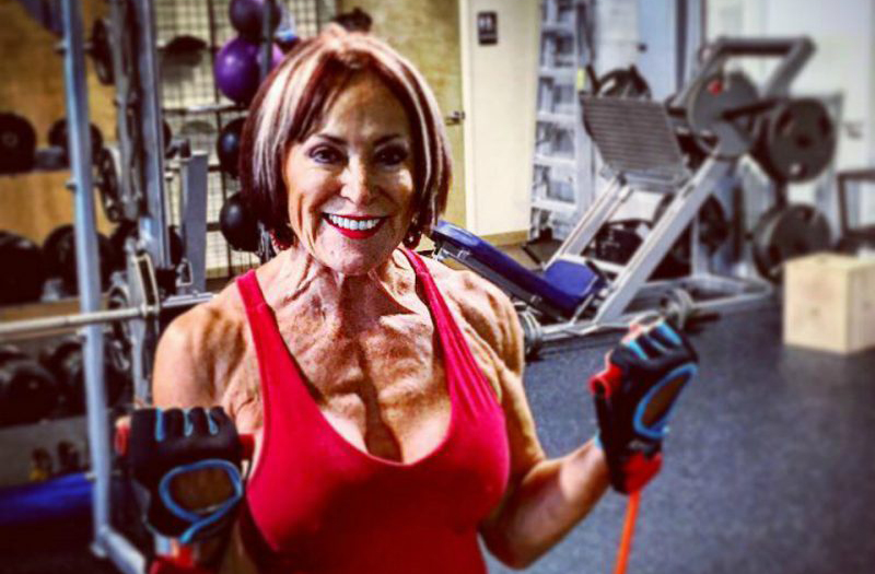 mujer fitness 70 años