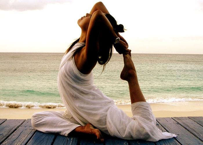 3 posturas de yoga que alivian tu dolor menstrual