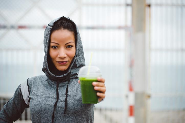 Completa tu dieta con batidos detox