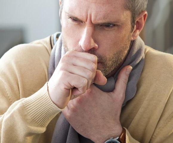Los mejores trucos para calmar la tos de forma natural