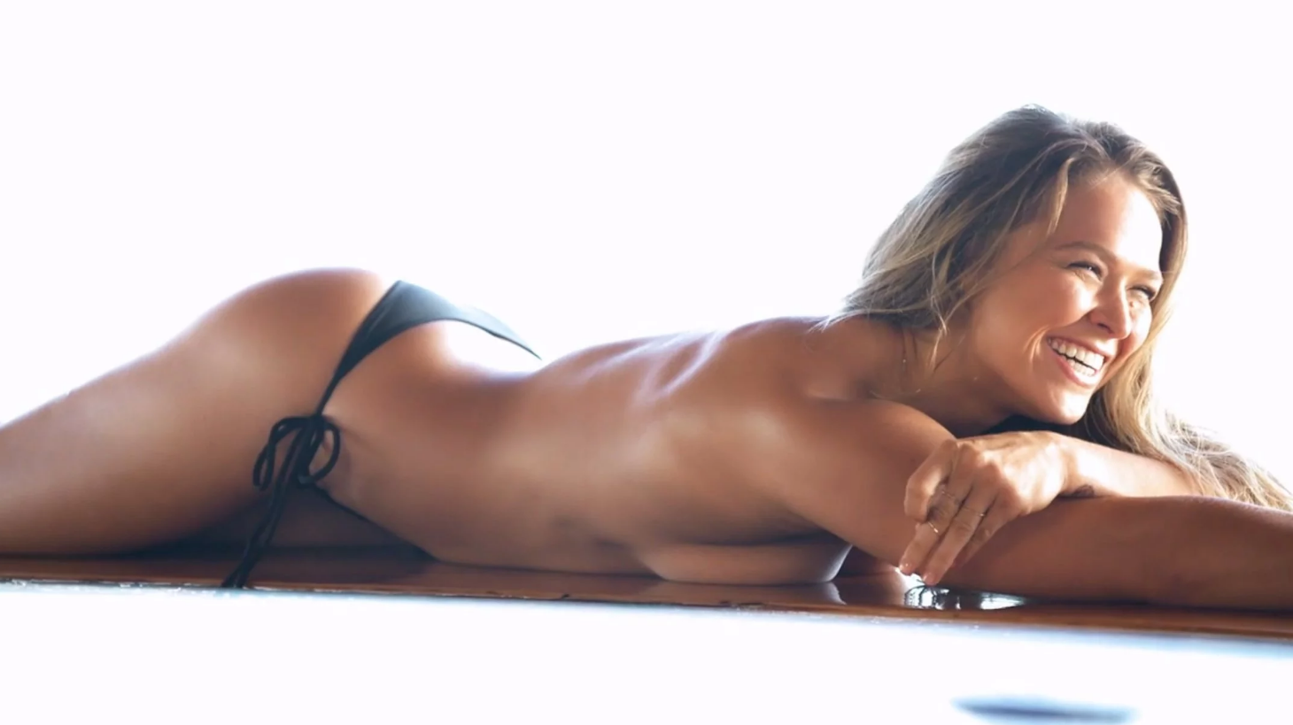 Ronda Rousey desnuda