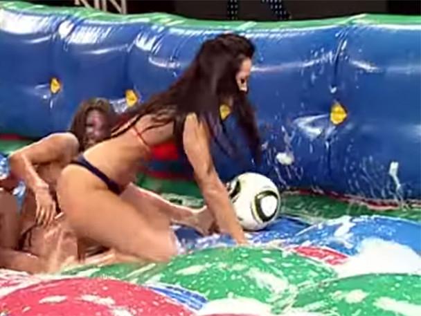 Soapy Soccer: el deporte brasileño más caliente