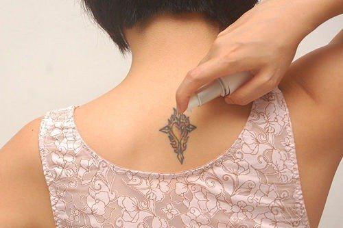 como curar un tatuaje