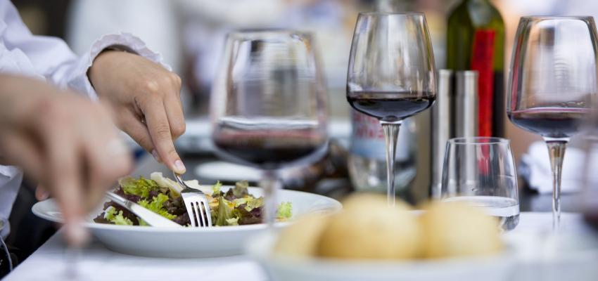 Dieta Sirtfood: la dieta milagrosa que cuesta 2.000 euros