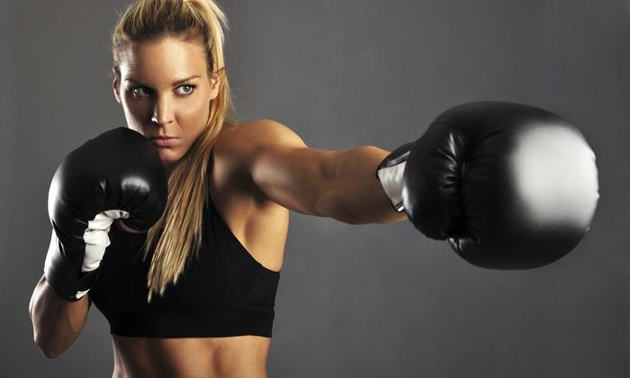 Ejercicios fitness de cardio boxing para quemar grasa