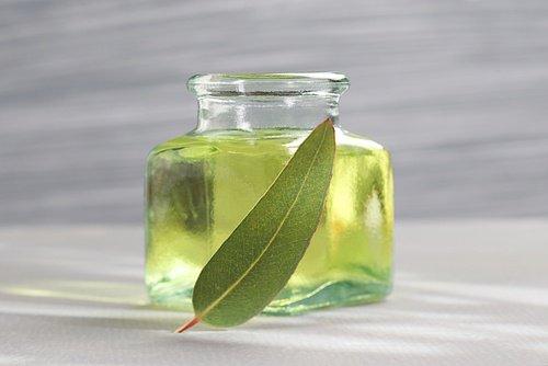 muere bebe aceite de hierbas