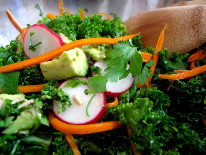¿Cómo preparar la mejor ensalada de kale?