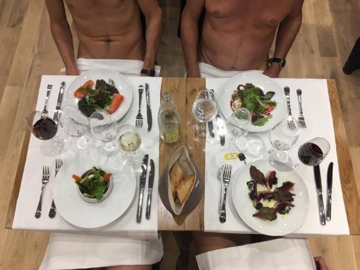 restaurante comer desnudo