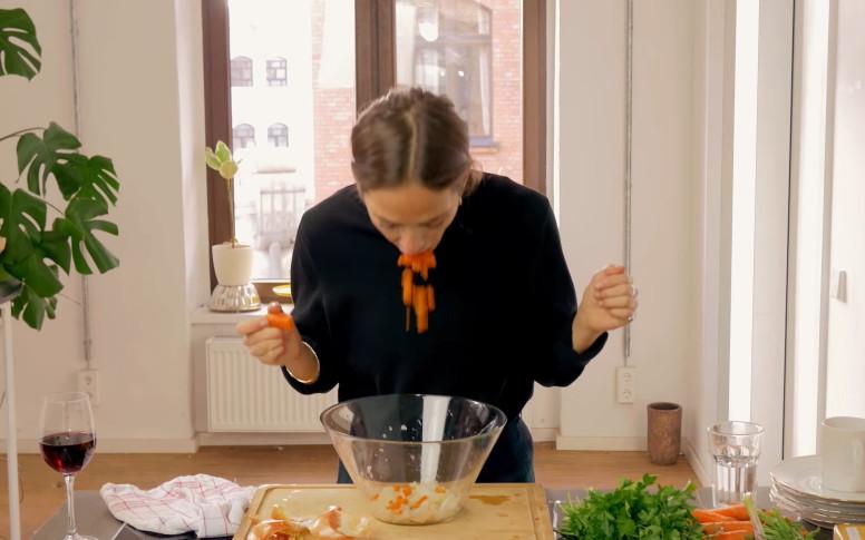 Los repugnantes vídeos de la cocinera que cocina con la boca